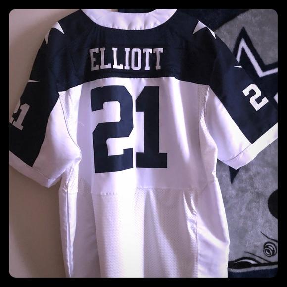 newest 70fab fc1e2 Ezekiel Elliott NFL Mens Jersey. Size 52.
